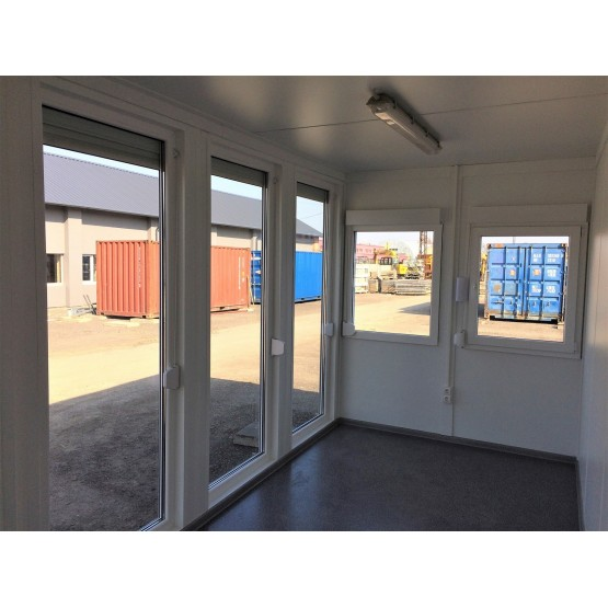 Konteinerinė patalpa su vitrinomis 20p (6m)