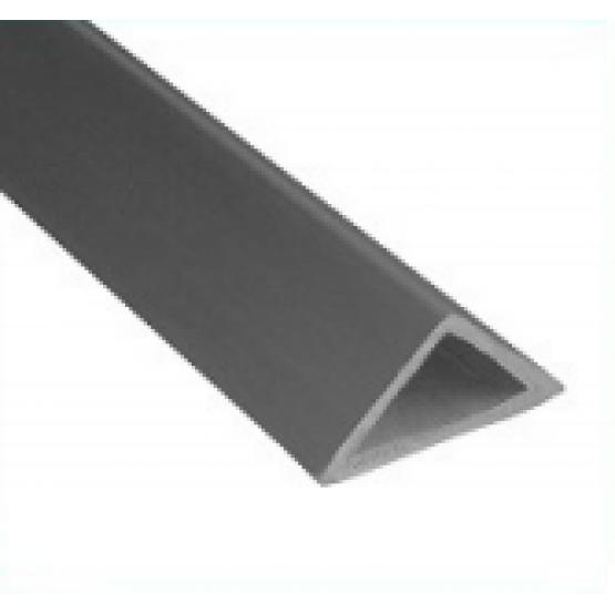 Plastikinis trikampis kampams 2,5m 10mm
