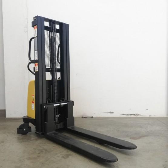Pusiau elektrinis aukštai keliantis palečių vežimėlis 1600 mm